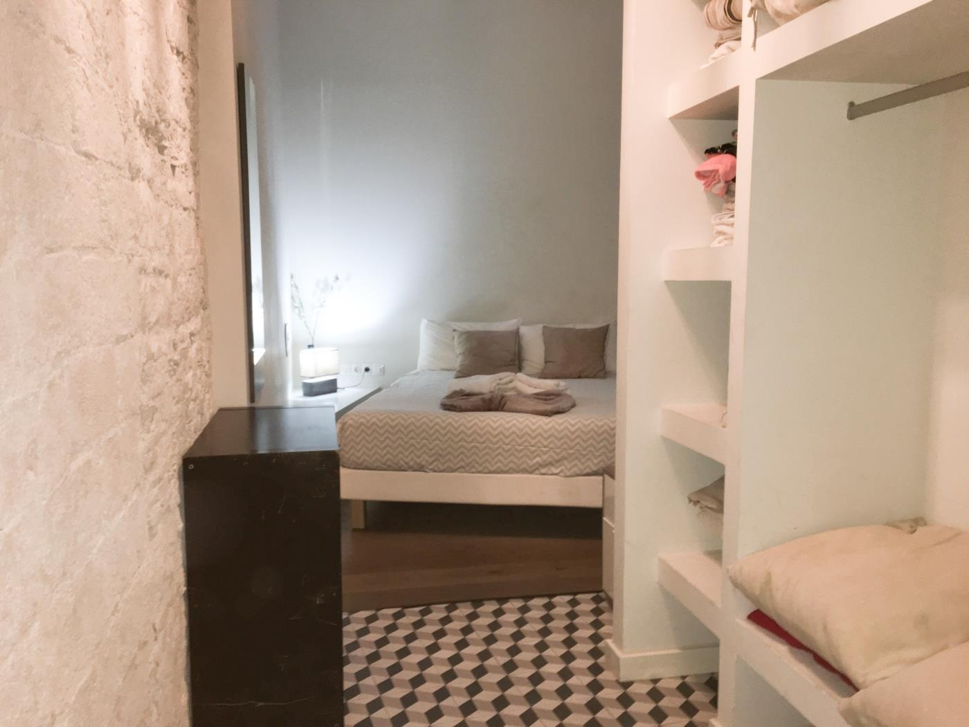 Bright apartment in the city centre of Barcelona in the Gothic for 2 - My Space Barcelona Appartamenti