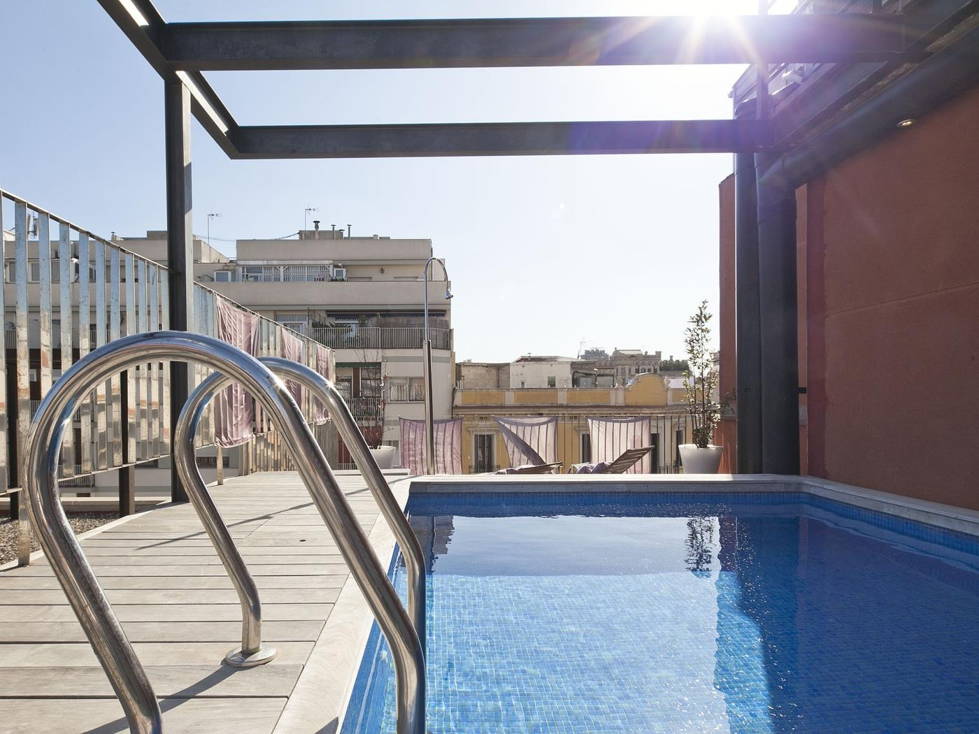 Appartamento con piscina al Born per 8 - My Space Barcelona Appartamenti