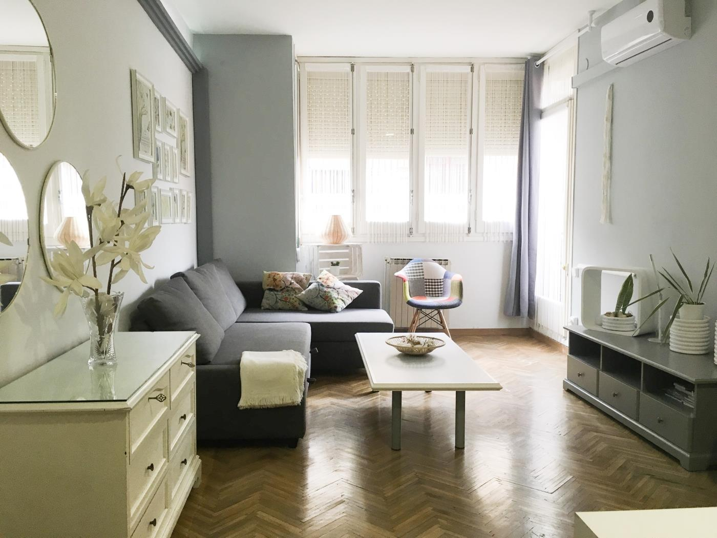 Beautiful and central apartment ideal for groups in Gracia for 9 - My Space Barcelona Appartamenti